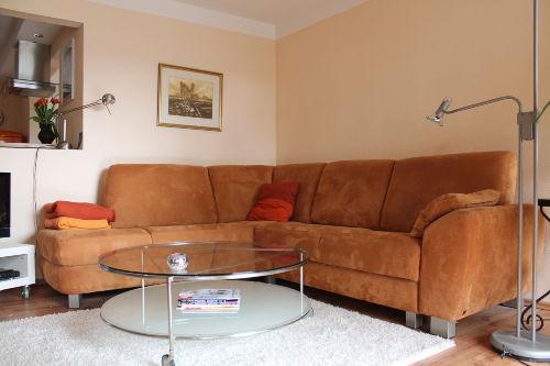 Gemütliche Sofa- Ecke und Schlafsofa