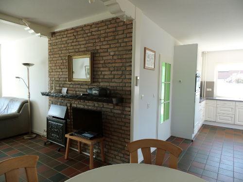 Wohnzimmer mit Küche um die Ecke