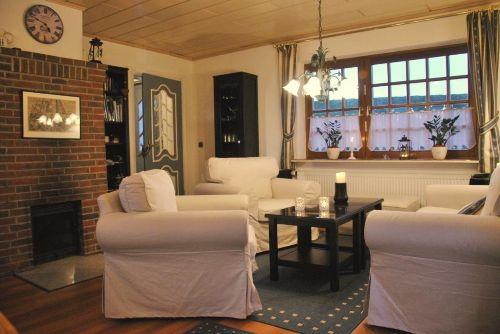 Wohnzimmer mit rauchfreiem Kamin