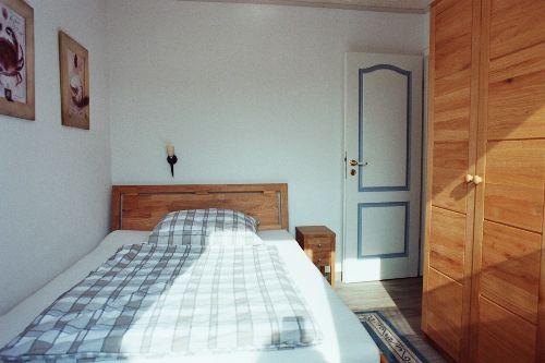 Schlafzimmer EG Gartenseite