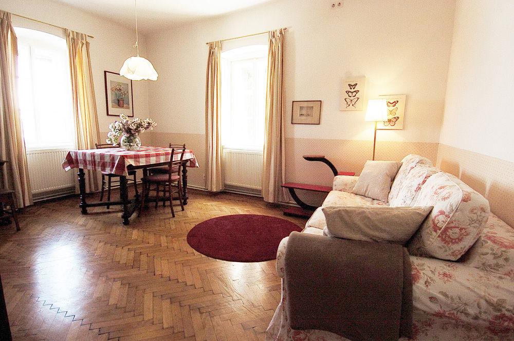 Apartment°3, Vorzimmer/Küche