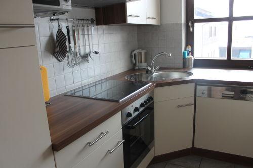 Die Küche, komplett ausgestattet