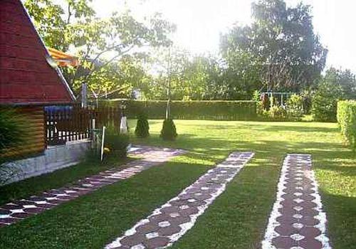 Sch�ner gro�er Garten zum spielen