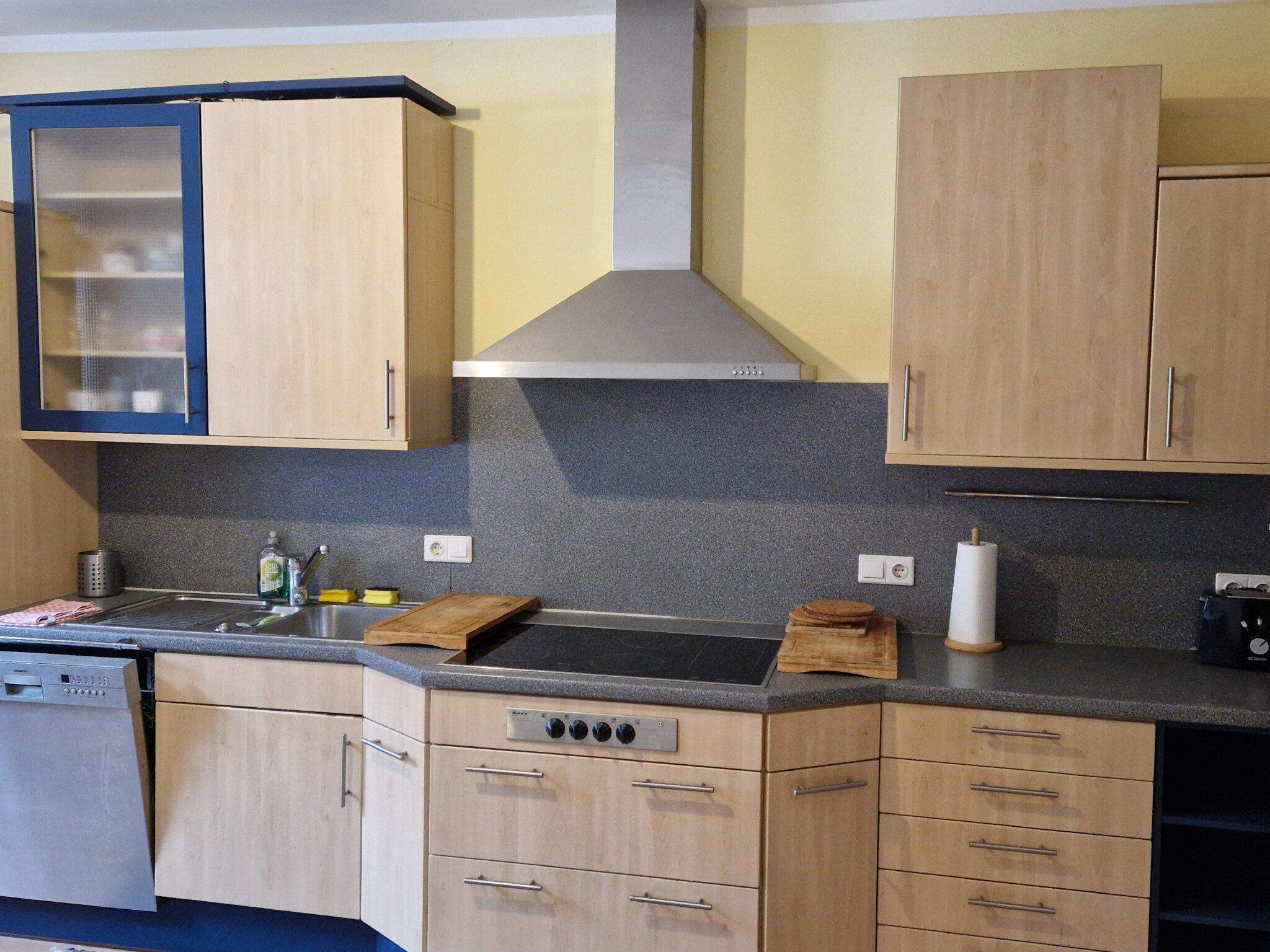 Wohnküche-Esstisch