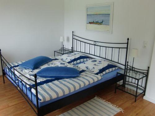 Großes Doppelbett