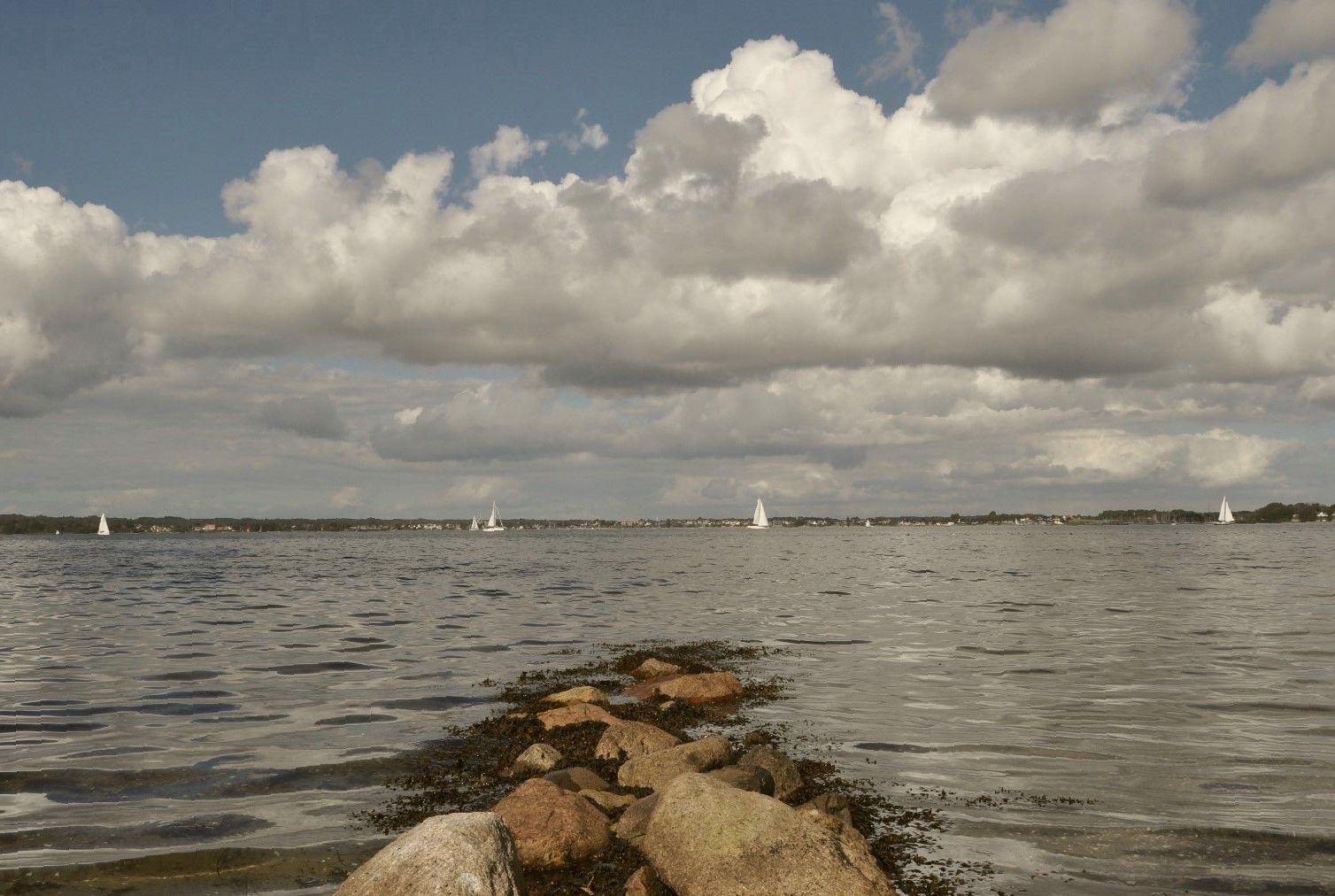 Yachthafen (ca. 4 min. zu Fuß am Strand)