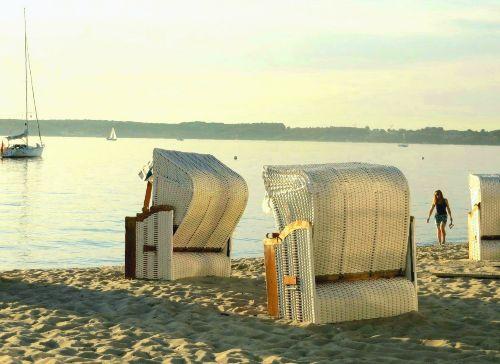 Der Sand-Strand von Gl�cksburg im Herbst