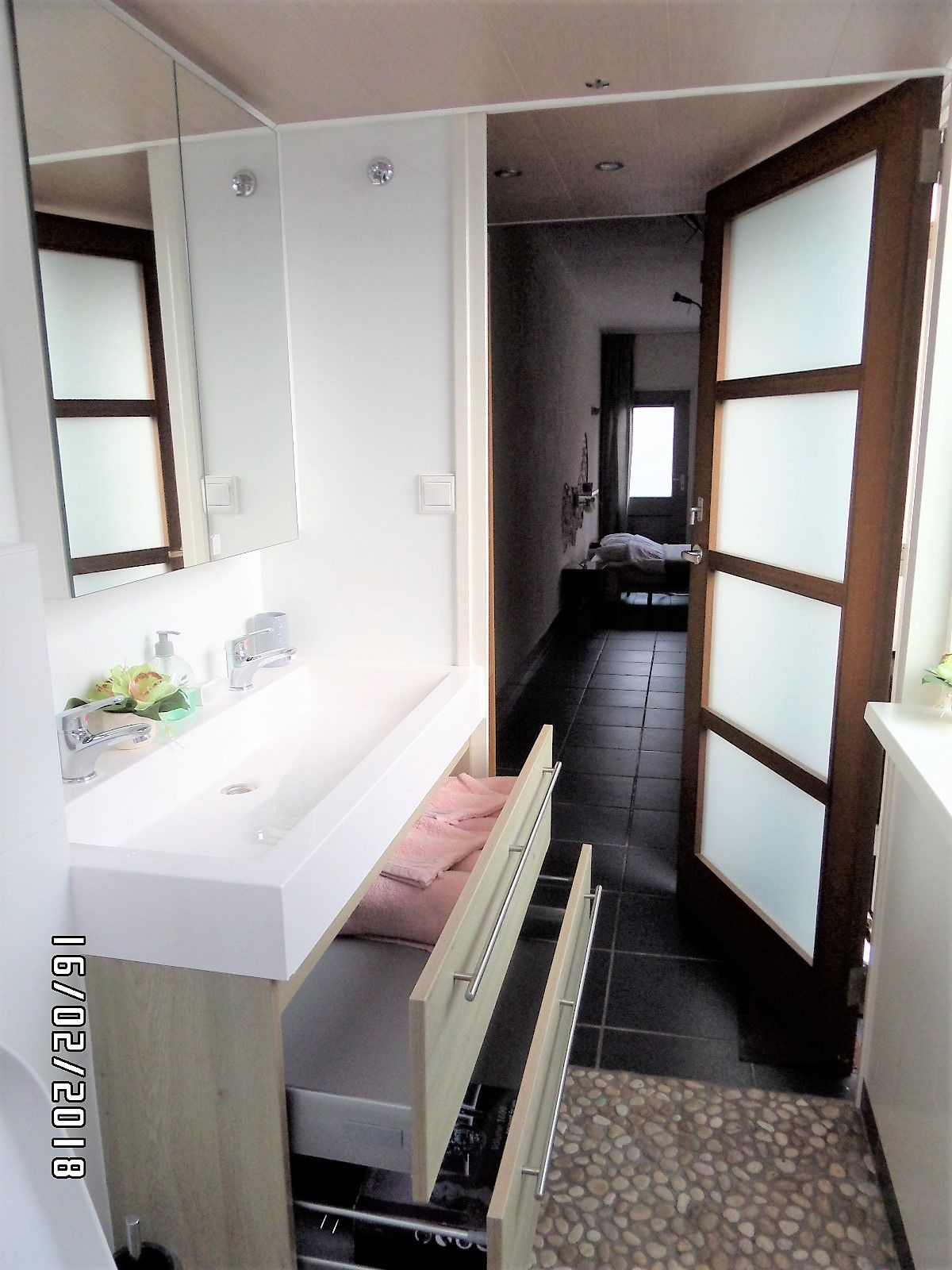 Badezimmer-Möbel 2 geräumige Schubladen