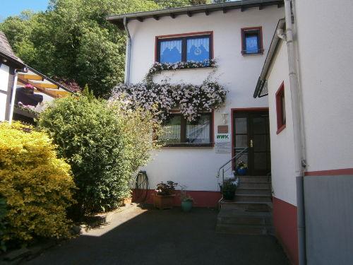 Wohnhaus mit FeWo Erdgeschoss