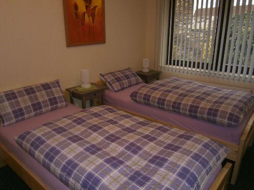 Schlafzimmer mit Einzelbetten, schiebbar