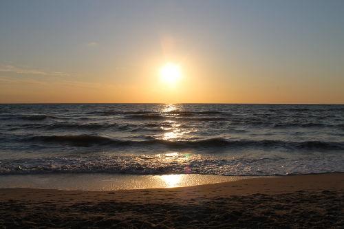 Sonnenuntergang am Strand von Callantsoo