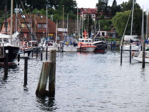 Fischerei- und Yachthafen - ca. 1 km