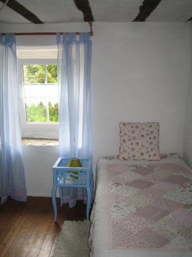 Schlafzimmer im Obergeschoss, Einzelbett