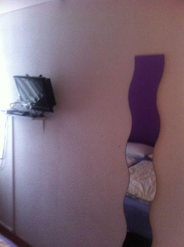 In allen Schlafzimmern Fernseher + DVD