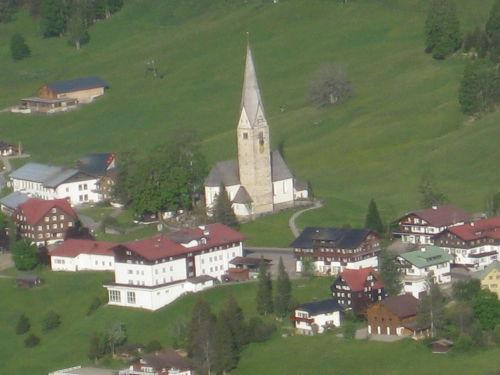 Kirche Mittelberg