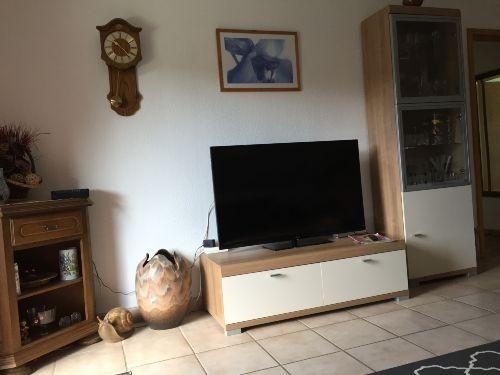 Wohnzimmer - Flachbildfernseher