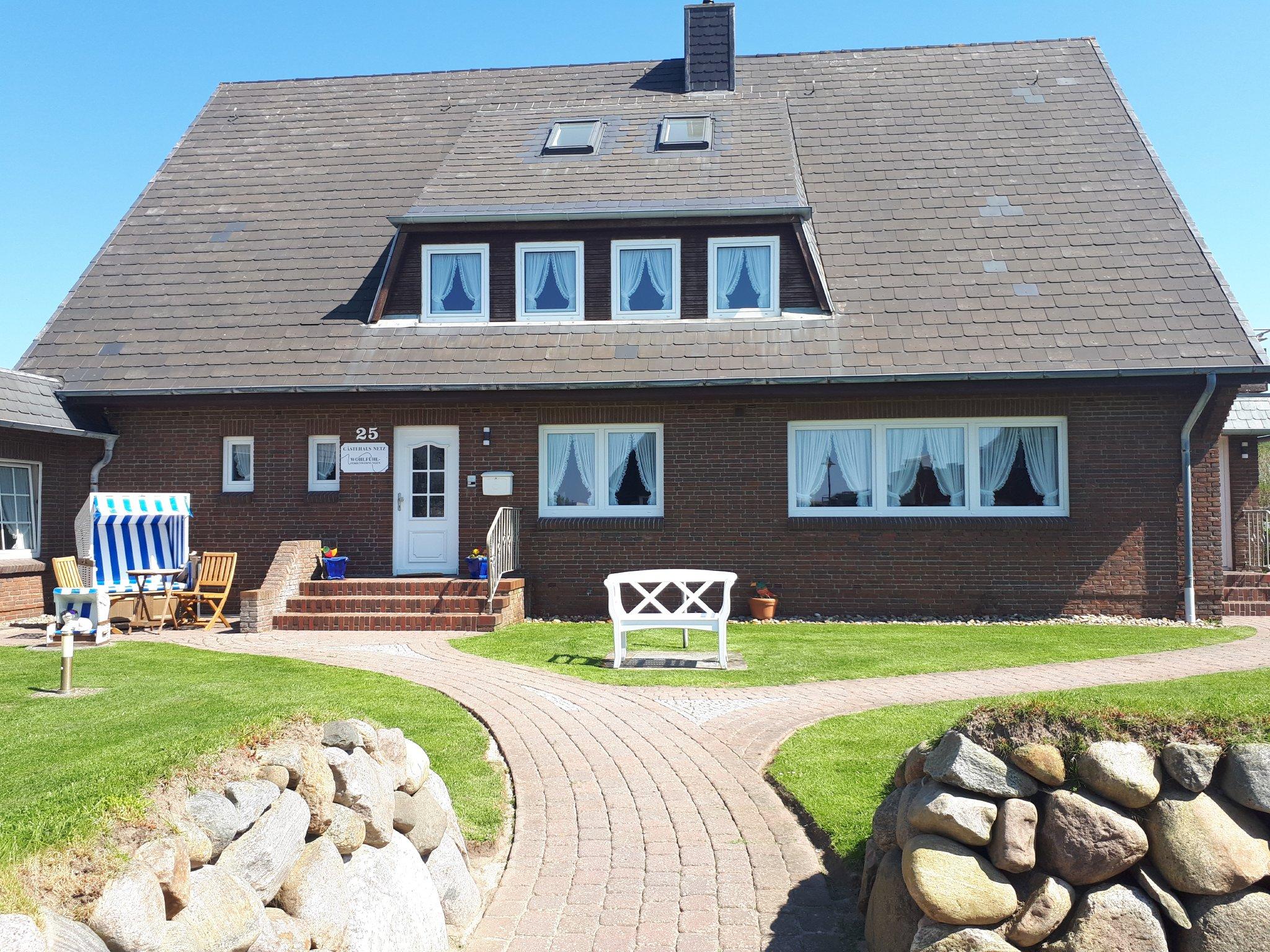 Gästehaus Netz Haupthaus und Bungalow