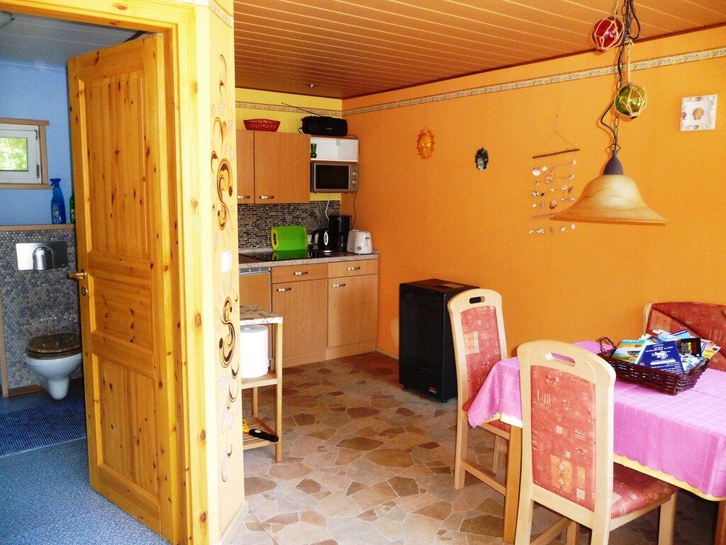 Ihr gepflegter Wohnraum mit Kochzeile