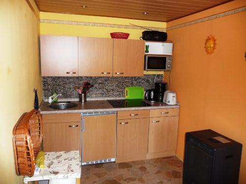 Ihr Küche ist modern und zweckmäßig