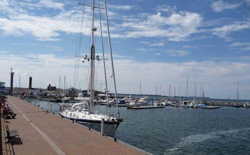 Marina und Bootswerft in Wiek