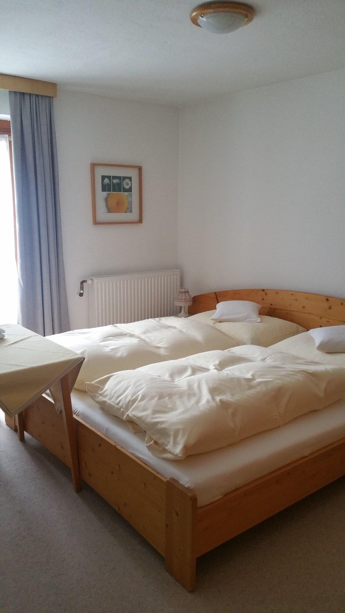 Schlafzimmer mit Westbalkon