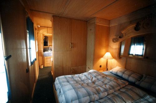 Holzgetäfeltes Schlafzimmer