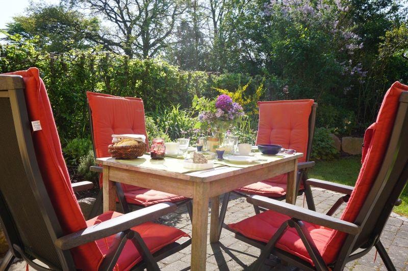 Ihr Garten mit Terasse und Grill