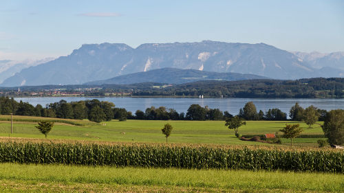 Waginger See mit Blick auf Untersberg