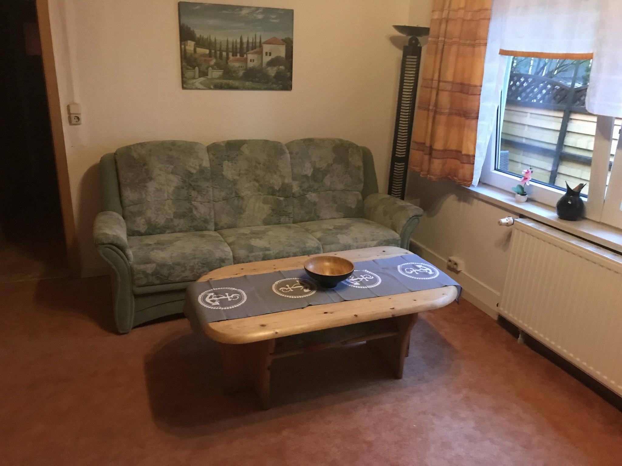 Wohnzimmer, Sitzgruppe, Couch, SAT-TV
