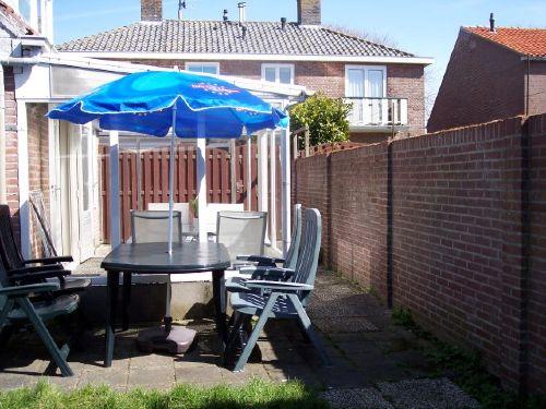 2.Terrasse mit Wiese
