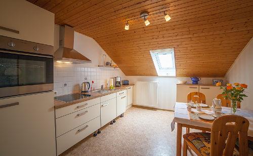 neue Küche mit umfassender Ausstattung