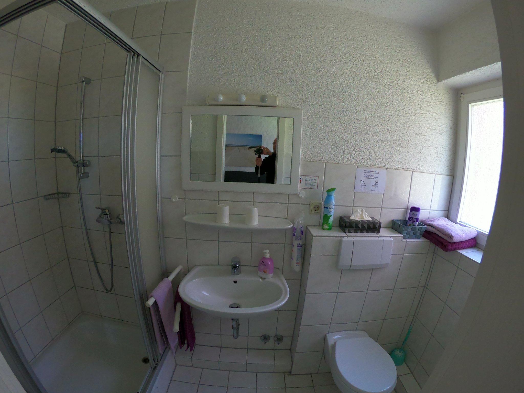 Badezimmer, Waschtisch, Fön, WC