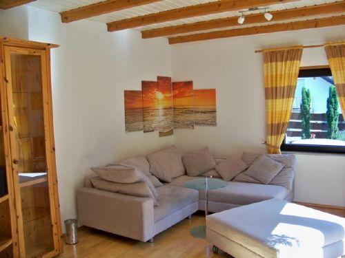 Wohnzimmer mit Schlaf-Sofa 2,20 x 2,10 m