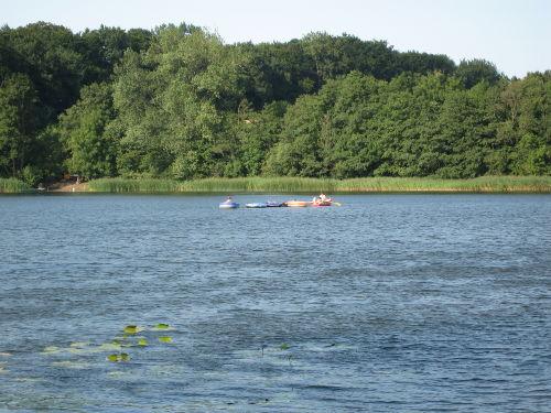Der See lädt zum paddeln ein :)