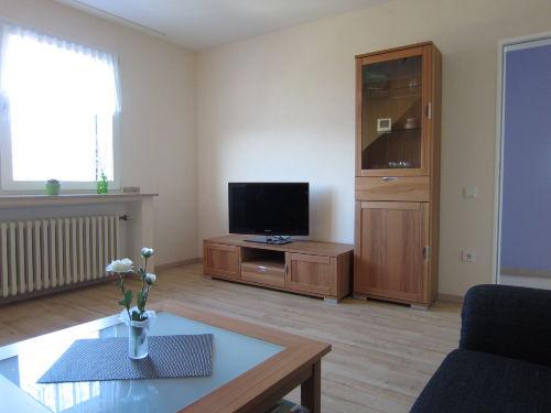 Wohnzimmer mit Fernseher DVBT und Musik