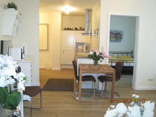 Wohnzimmer-Essplatz/Küche-Schlafzimmer