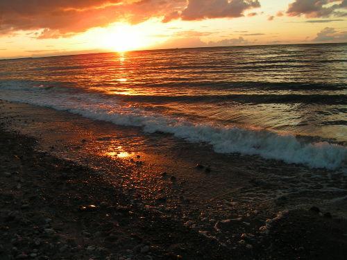 Ein Sonnenuntergang am Strand