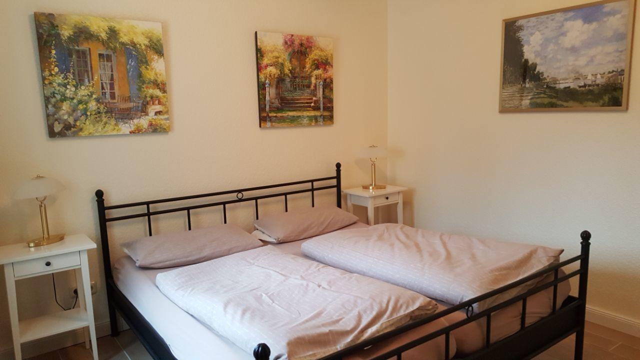 Schlafzimmer 2, Flur