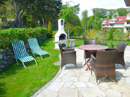 Terrasse mit Gartenm�beln