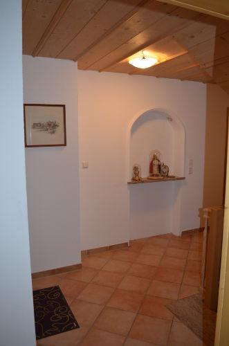 Eingangsbereich mit Grotte