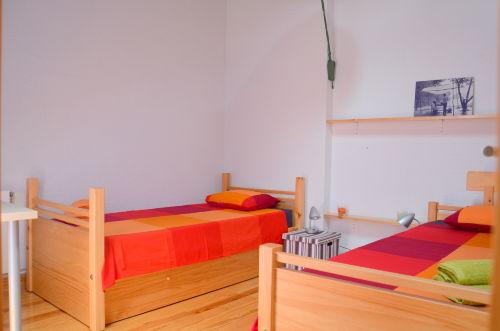 Schlafzimmer 2 (drei Personen)