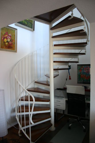 Treppe zum Schlafzimmer/Bad