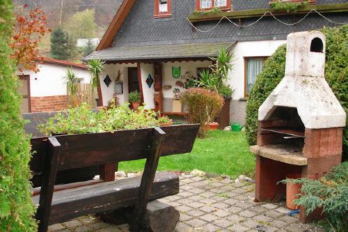 Terrasse auf dem Grundstück