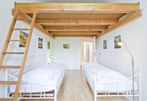 2 weitere Einzelbetten auf dem Hochbett