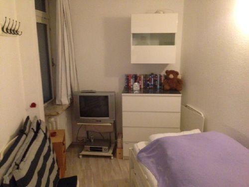 Kinderzimmer mit 2 Betten zum Ausziehen
