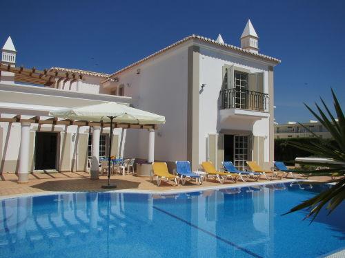 3 Apartments mit Pool Estrela Cadente