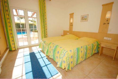 noch ein Schlafzimmer in gelb