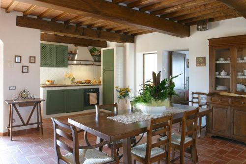 Eß- und Küchenbereich im Apartment Sambu