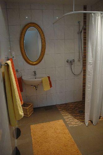 Erdgeschoss Badezimmer