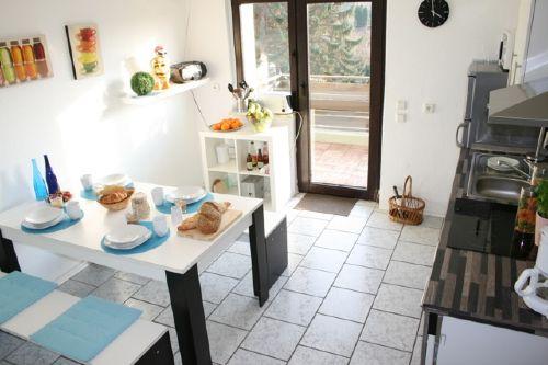 Küche mit Ausgang Balkon